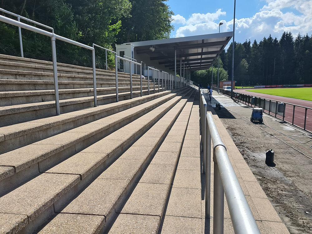 stadionreinigung-nachher